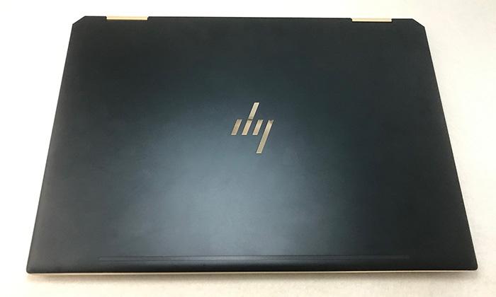 HP Spectre x360 13 天面