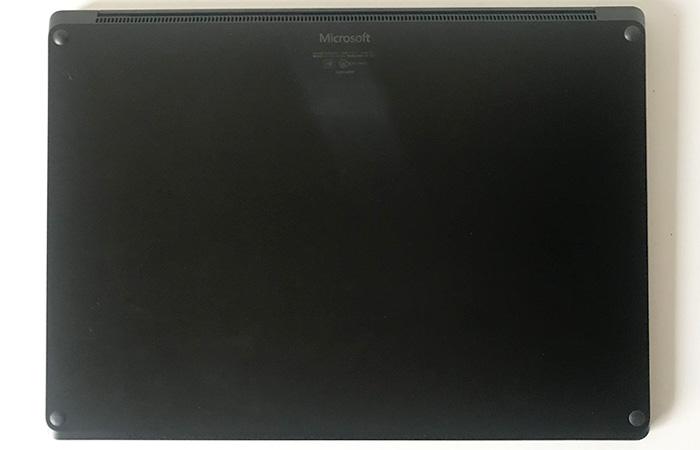 Laptop3 15 底面