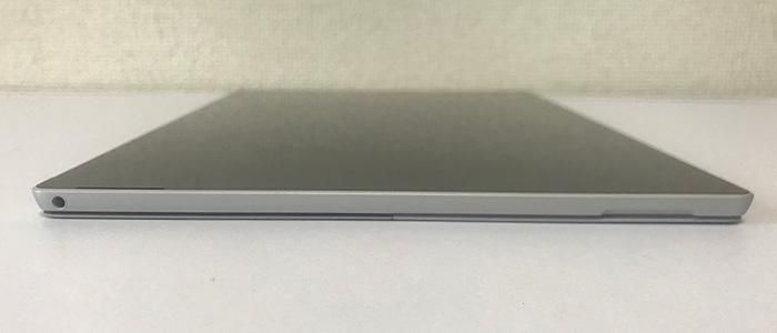 Surface Pro7 左側面