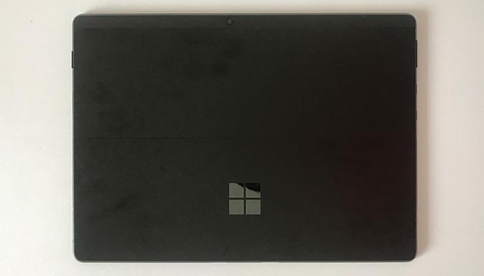 Surface Pro X 背面