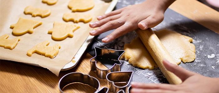 お菓子作りや料理を楽しむ