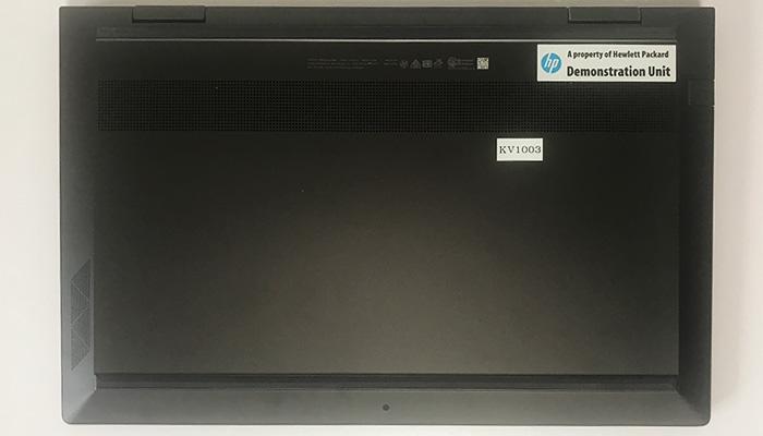 HP ENVY x360 15 底面