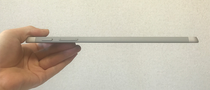 Surface Go2 薄さ