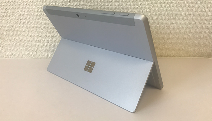 Surface Go2 全体背面