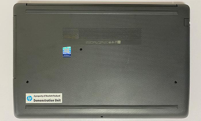 HP 250 G7 底面