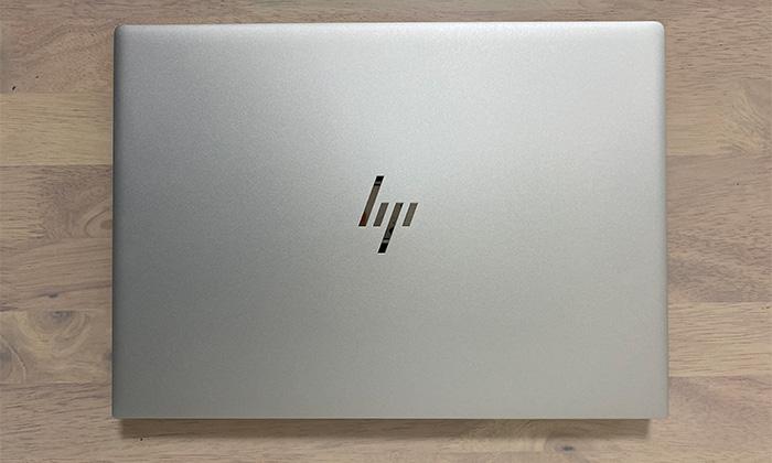 HP ENVY 14-ebの天面