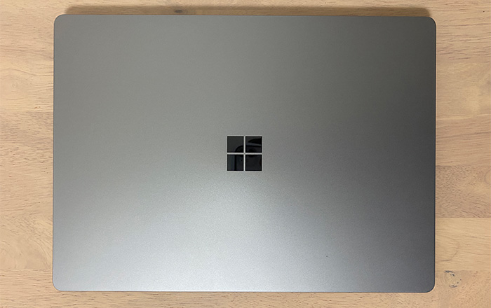 Laptop4の天面