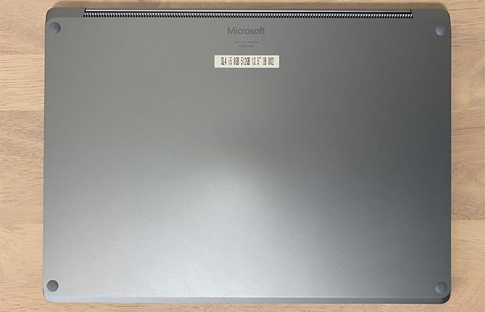 Laptop4の底面