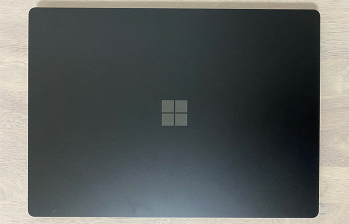 Surface_laptop4_15ryzenの天面