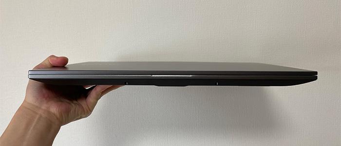 ドスパラ raytrek G5-Rの薄さ